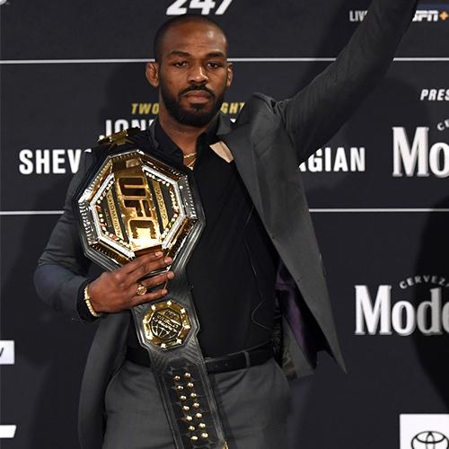 ДЖОН ДЖОНС ОТКАЗАЛСЯ ОТ ТИТУЛА ЧЕМПИОНА UFC В ПОЛУТЯЖЁЛОМ ВЕСЕ